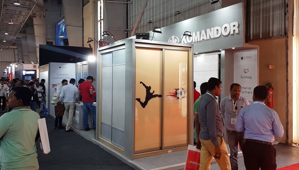IndiaWood 2018 Bangalore Komandor DE - Schiebetürensysteme ...